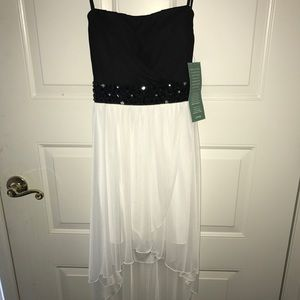 Dresses & Skirts - party / homecoming dress